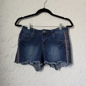 4/$30 Suko Jeans Shorts with Side Details